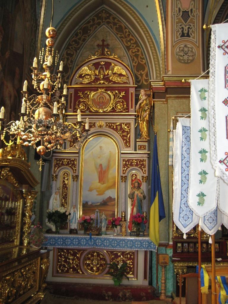 Мощі святих в Церкві Св. Анни