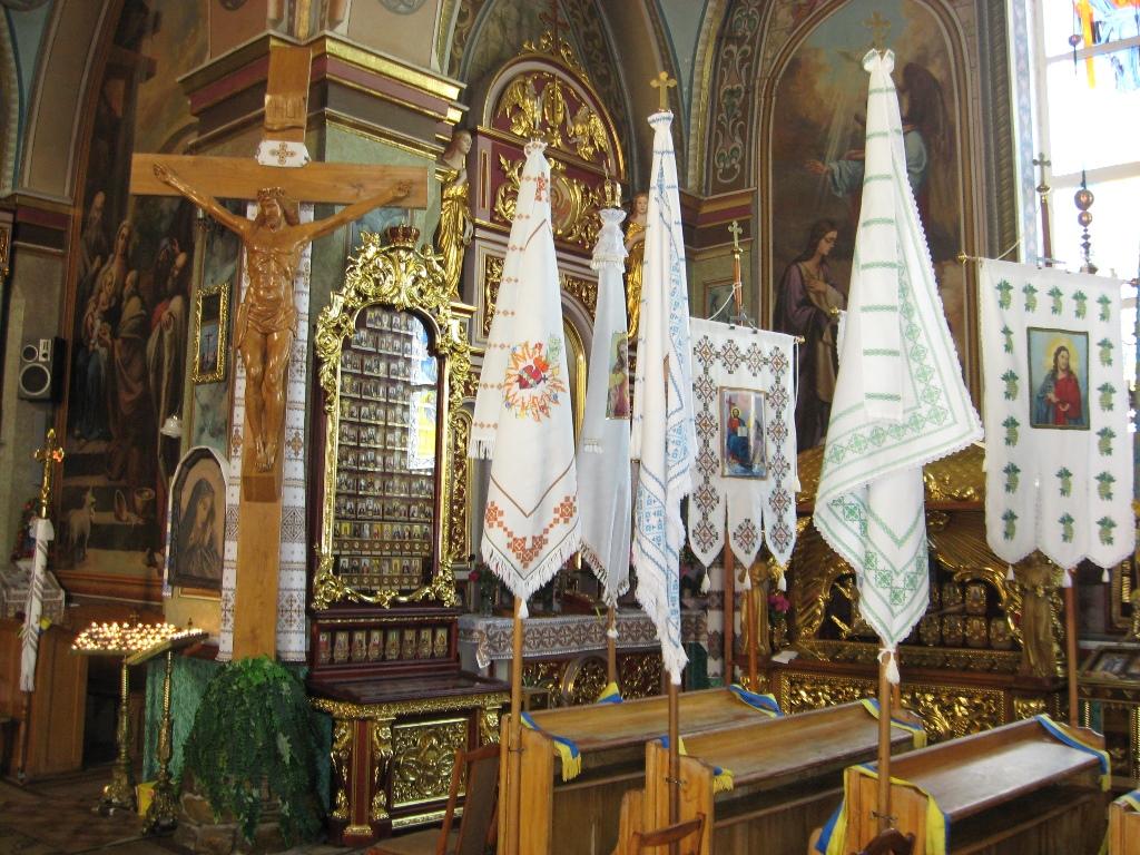 Розіп'яття Ісуса Христа в Церкві Святої Анни